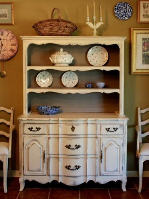 China Cabinets and Hutches