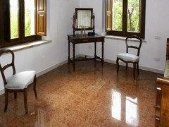 Pavimento Marmo Rosso : Che colore alle pareti con pavimento di marmo rosso di verona?