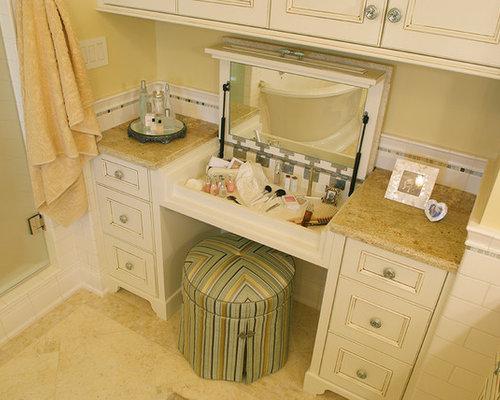 salle de bain avec un carrelage rouge et un mur jaune photos et id es d co de salles de bain. Black Bedroom Furniture Sets. Home Design Ideas