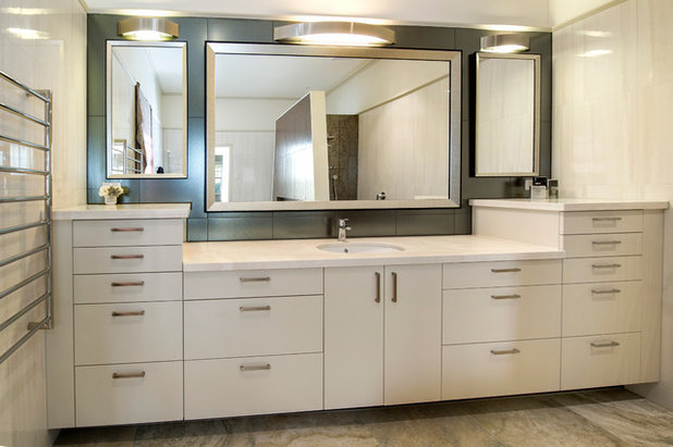 Modern  by Bubbles Bathrooms