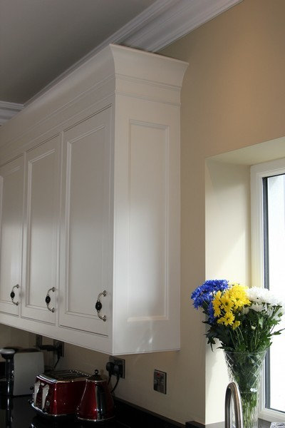 Deluxe Handcrafted & Hand-painted In-Frame kitchen,