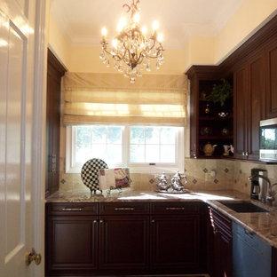 Home design - traditional home design idea in Tampa