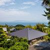 丘の上から駿河湾を見下ろす、シニアライフを見据えた家