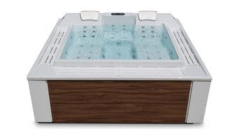 Design AquaVia Whirlpool mit Überlaufrinne