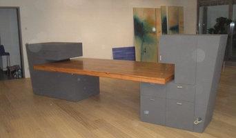 Skulpturenartiger Schreibtisch