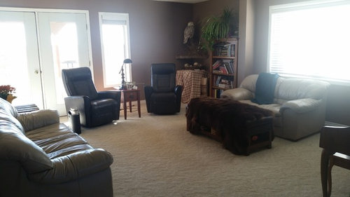Mixing leather and fabric living room furniture etc.