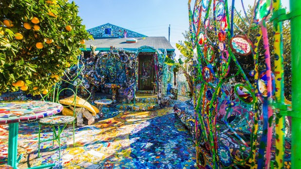 Houzz TV: First Comes Love, Then Comes a Home Covered in Mosaic Tile