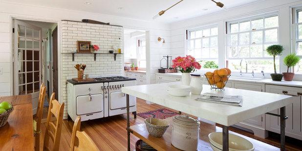 15 Modern Rustic Farmhouses Celebrate Simple Pleasures