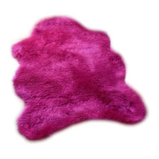 Highlighter Hot Pink Shaggy Faux Fur Sheepskin Accent Rug, 2'x4'