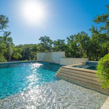 Contemporary Pool and Spa in San Antonio, Tx