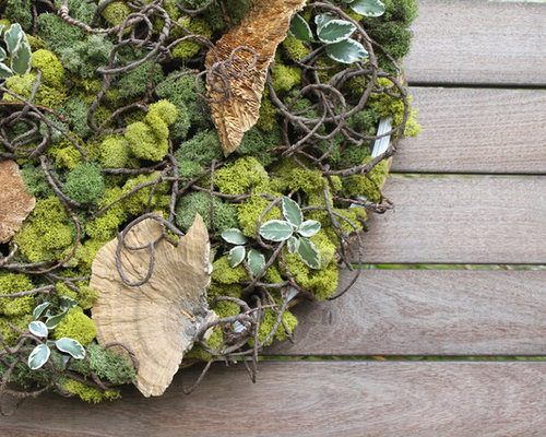 Holiday Wreaths - Outdoor Decor