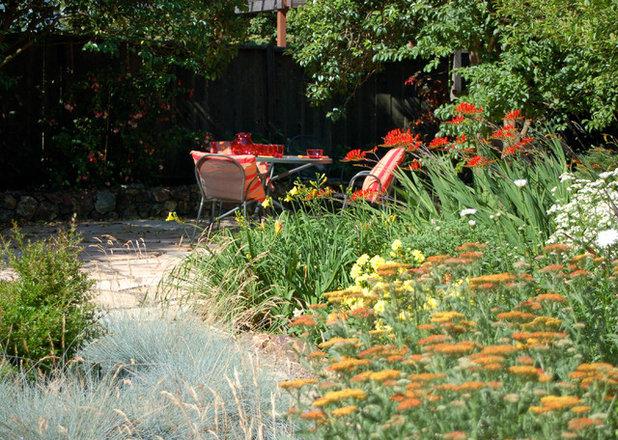 Klassisch Garten by Shades Of Green Landscape Architecture