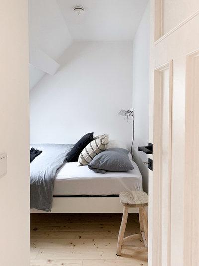 Modern Schlafzimmer by add it+
