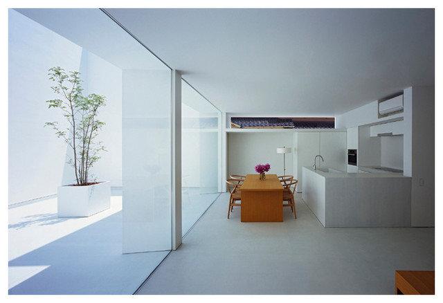 by 山本卓郎建築設計事務所 TAKURO YAMAMOTO ARCHITECTS