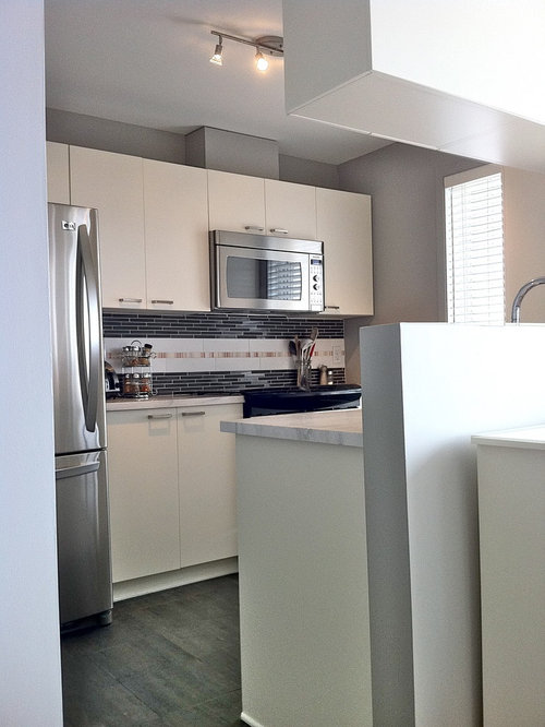 Best Small Condo Kitchen Design Ideas Remodel Pictures Houzz