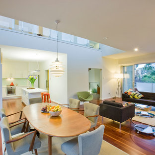 Example of a minimalist home design design in Canberra - Queanbeyan