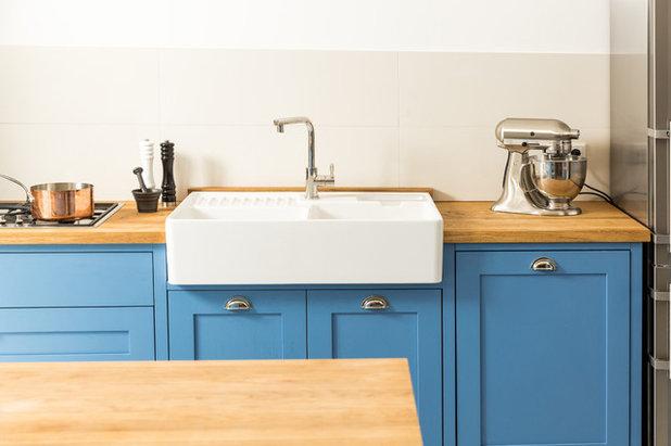 eine landhausk che macht blau. Black Bedroom Furniture Sets. Home Design Ideas