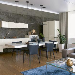 Фрагмент гостиной и кухни-столовой