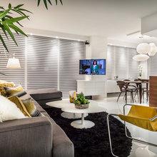 TV's In Center of Room