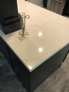 Vicostone Misterio Polished Or Lg Minuit Quartz Counters
