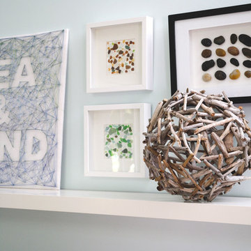 Beach finds: driftwood, seaglass and pebbles