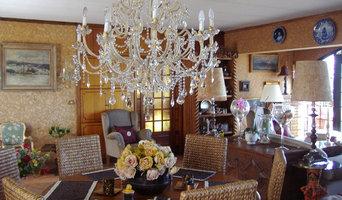 Diseño y decoración de un salón en una villa de estilo rural