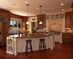 Photos Please - Hood Different Color than Adjoining Cabinets?