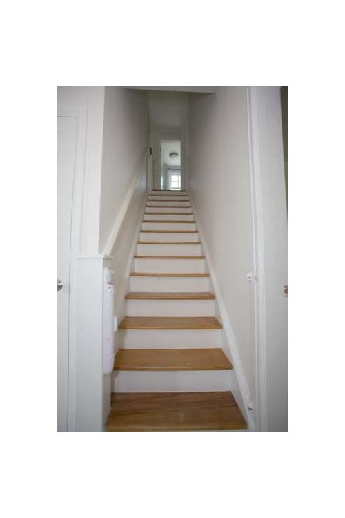 Need Help Decorating This Staircase. Wondering If Beadboard Would Look Good  On Walls. Want A Casual Cottage Look.