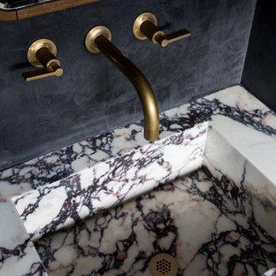 Источник вдохновения для домашнего уюта: маленькая ванная комната в современном стиле с унитазом-моноблоком, черными стенами, полом из керамической плитки, душевой кабиной, подвесной раковиной, мраморной столешницей, фиолетовой столешницей, тумбой под одну раковину и подвесной тумбой