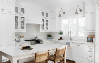 Kitchen of the Week: Classic White Space With Layered Style
