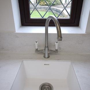 Home design - mid-sized cottage home design idea in Oxfordshire