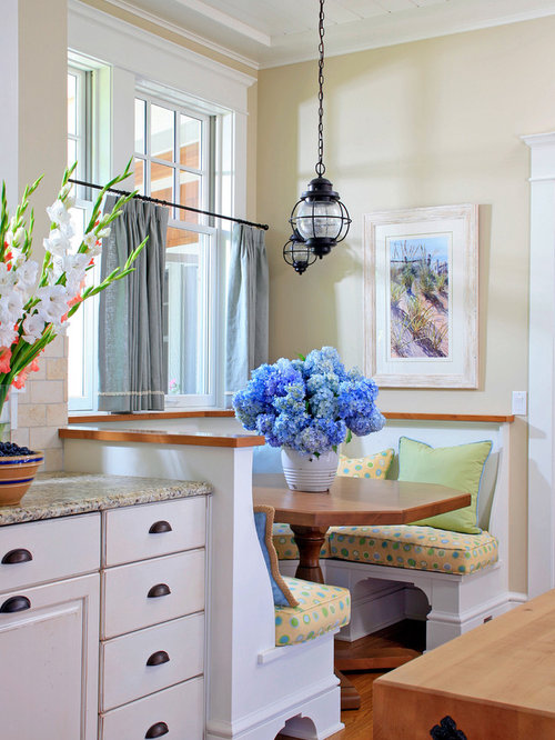 Small nook kitchen banquette ideas, pictures, remodel and decor