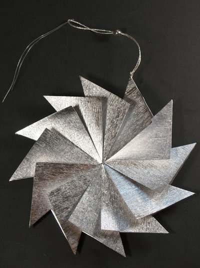 DIY Angled Starburst Ornament