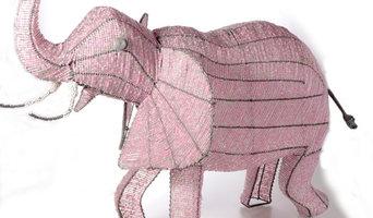 Glücklicher Glasperlen-Elefant aus Afrika