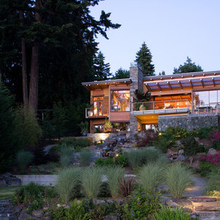 Inspiration for a contemporary hillside landscaping in Seattle.