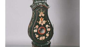 Ursula the Clock -creating a custom finish