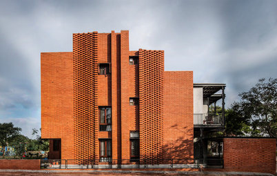 Bangalore Houzz: This Home Celebrates Light, Brick & Floating Balconies