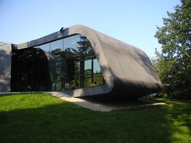 Trailblazing Architect Zaha Hadid Dies at 65