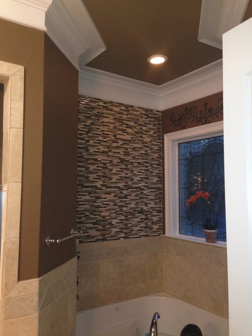 Different Light over tub?