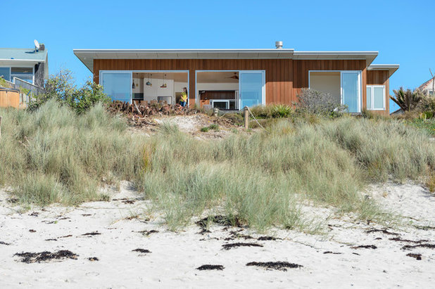 Beach Style  by Will Tatton Architecture