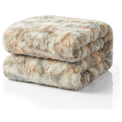 Contemporary Throws by Tache Home Fashion
