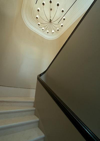 Transitional Staircase by Architecture BRIO