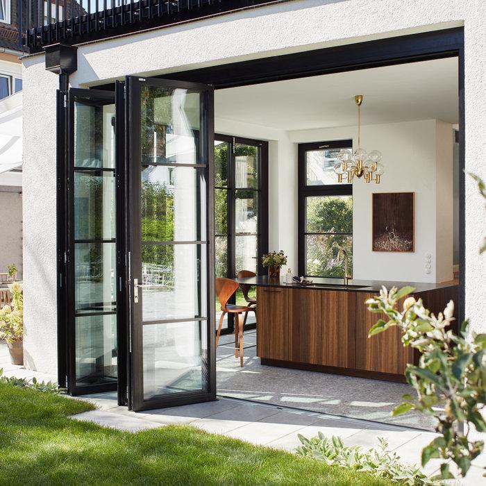 Solarlux Glas-Faltwände in den Eigenheimen unserer privaten Kunden