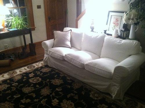 Strange Front Door Opens In Middle Of Living Room Splits Room In Half Cjindustries Chair Design For Home Cjindustriesco