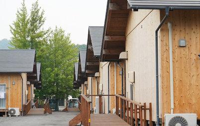 西日本豪雨から1年。「板倉構法」の仮設住宅が示す可能性