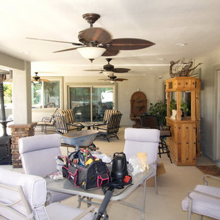 Inspiration for a southwestern home design remodel in Phoenix