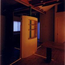 床に埋め込んだ光の座標軸