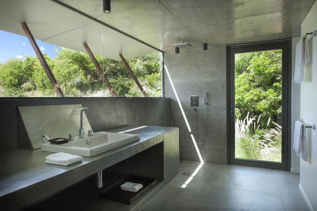 Contemporary Bathroom by SARL ARCHITECTONIK
