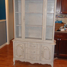 Paints Furniture