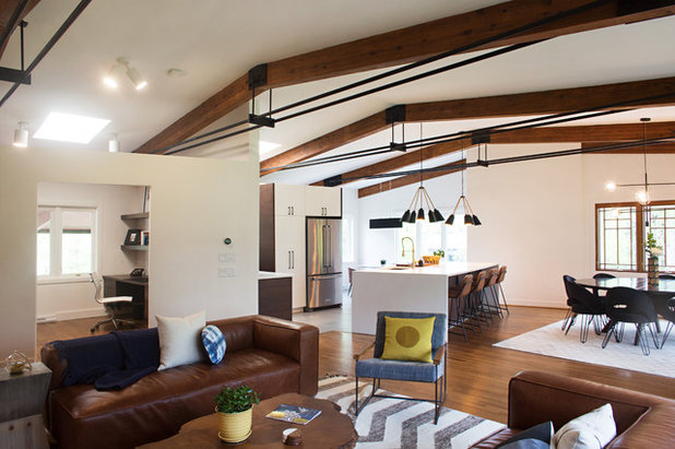 Midcentury Living Room by Parisi Images